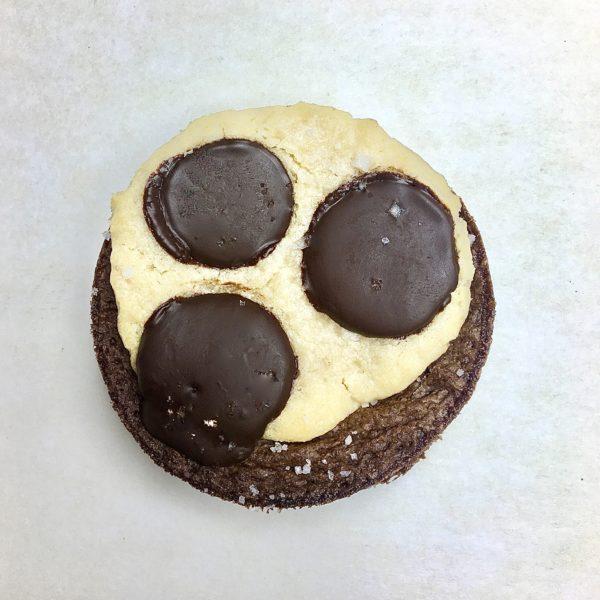 """alt=""""brookie chocolat noir et fleur de sel"""""""