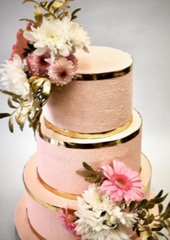 Wedding cake golden flowers