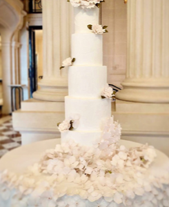 Wedding cake luxury