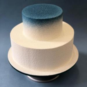Gâteau d'anniversaire bleu et blanc
