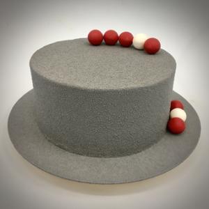 Gâteau anniversaire gris